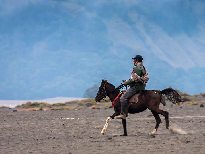 Horse rider in the caldera (c) T.Schorr