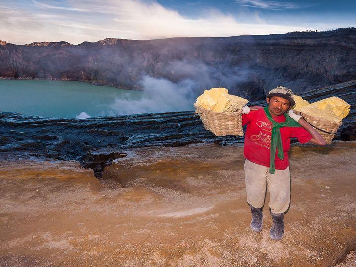 Sulfur worker at Ijen