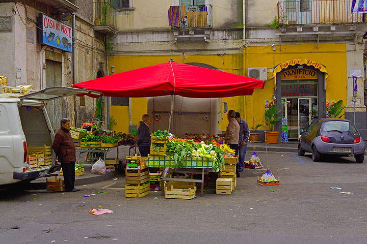 There are small markets and stalls all over the city of Catania