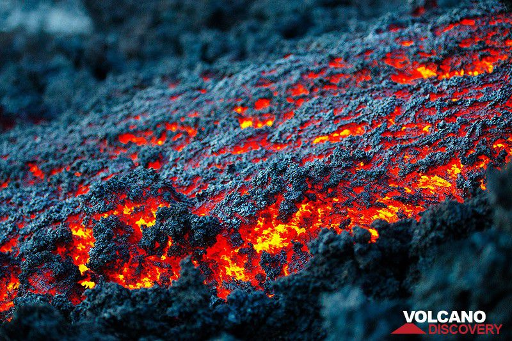Etna's lava flow late March 2017 (photo: Emanuela / VolcanoDiscovery Italia)