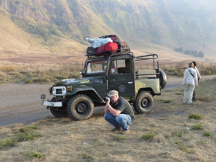 4X4 jeep drive towards and into the Tengger caldera