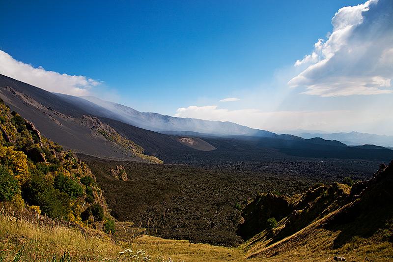 View onto the Valle del Bove from Schiena dell'Asino. (Photo: Emanuela Carone)
