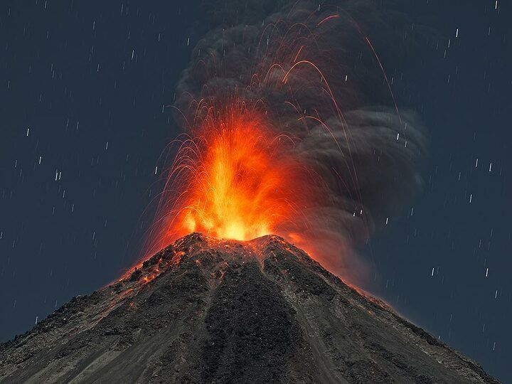 Eruption of Colima volcano (Mexico)