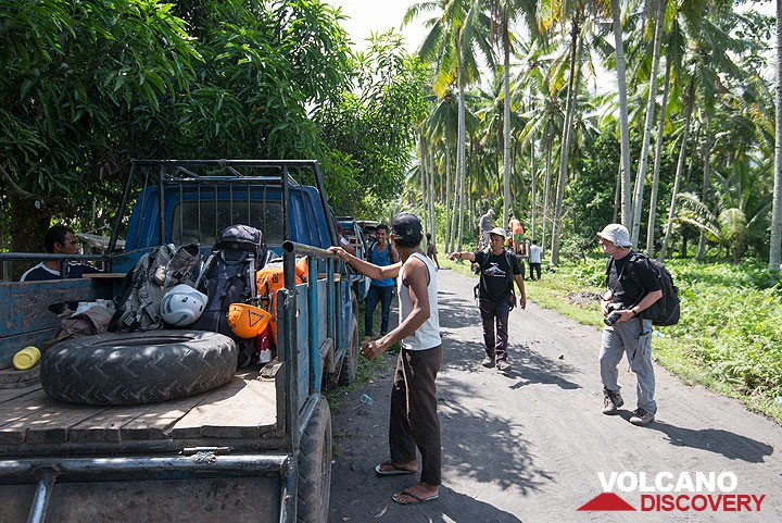 Loading luggage onto trucks to the start of the trail to Dukono