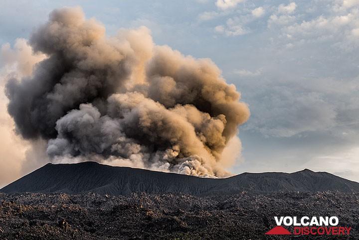Eruption of Dukono volcano