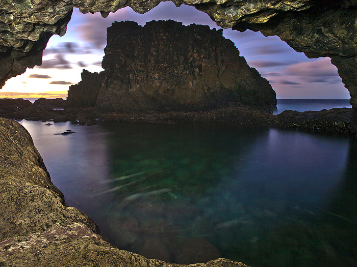 Lava cave at sea/El Hierro