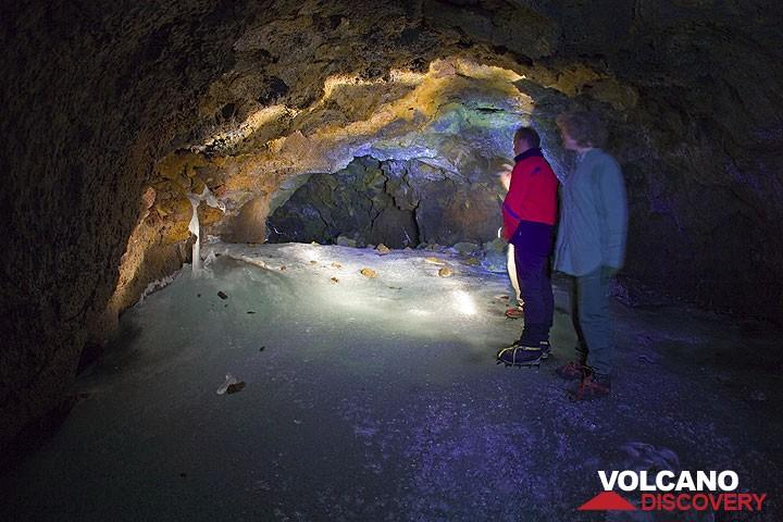 Inside the Grotta del Gelo (Photo: Tom Pfeiffer)