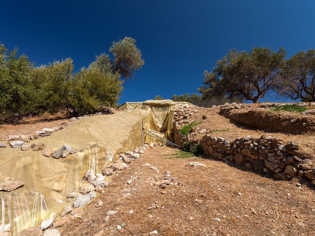 Mycenean tomb at Galatá (c) Tobias Schorr