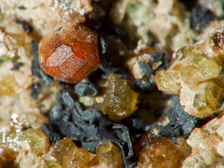 Garnet crystal (Grossular)