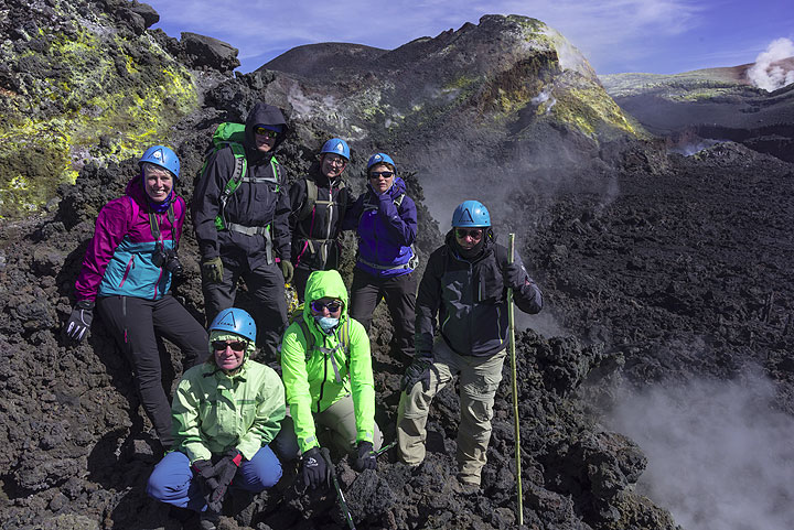 Group photo on Bocca Nuova, one of Etna´s active craters