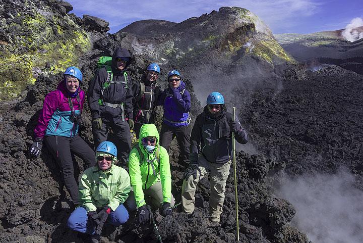 Gruppenfoto auf Bocca Nuova, einem der aktiven Krater des Ätna