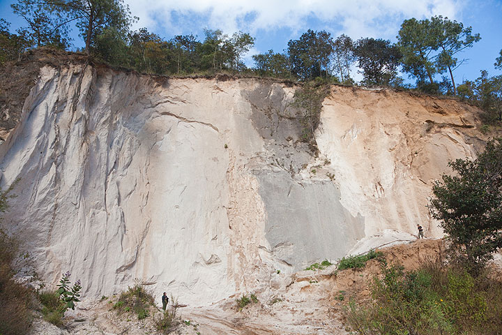 Ash-flow tuff from the caldera-forming eruption of Lake Atitlán (ca 74,000 year ago)