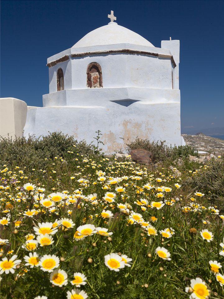 Kleine Kappelle auf dem Gipfel von Pyrgos