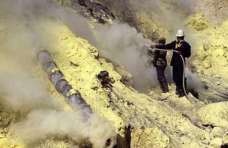 Sulphur mining at Ijen