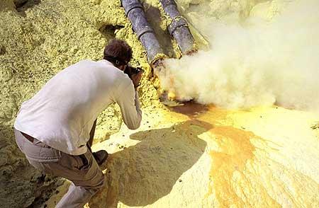 Ijen's rich sulphur deposits