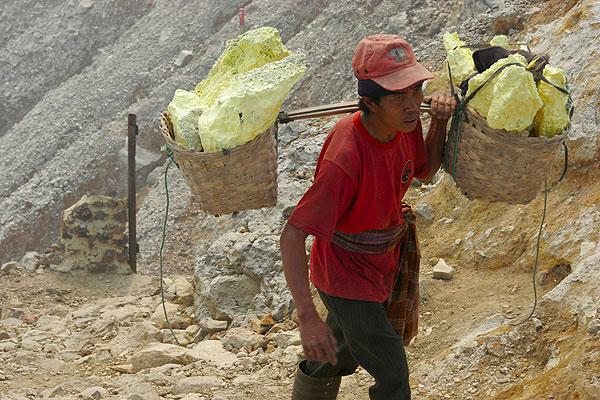 Sulphur worker at Ijen volcano