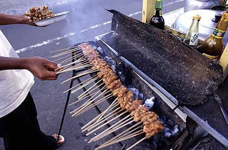 Grilling sate