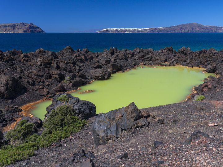 Der Kratersee von 762 n.Chr. auf Palea Kameni/Santorin