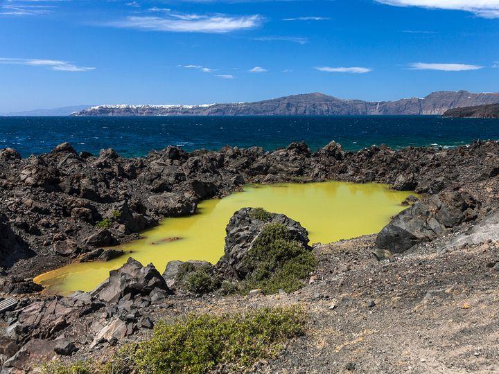 Der Kratersee auf Palea Kameni