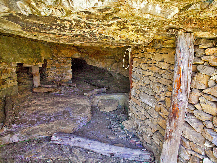 Antiker Bergbau-Schacht bei Thorikos