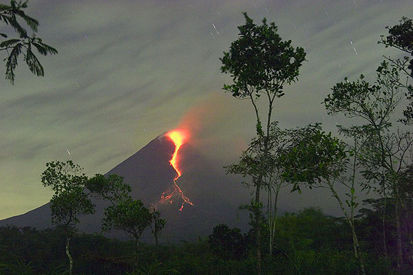 Merapi volcano in eruption as observed during our tour in May 2006