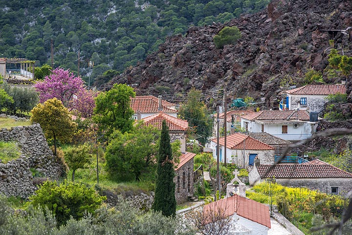 Kameni Chora village at the feet of the young lava dome