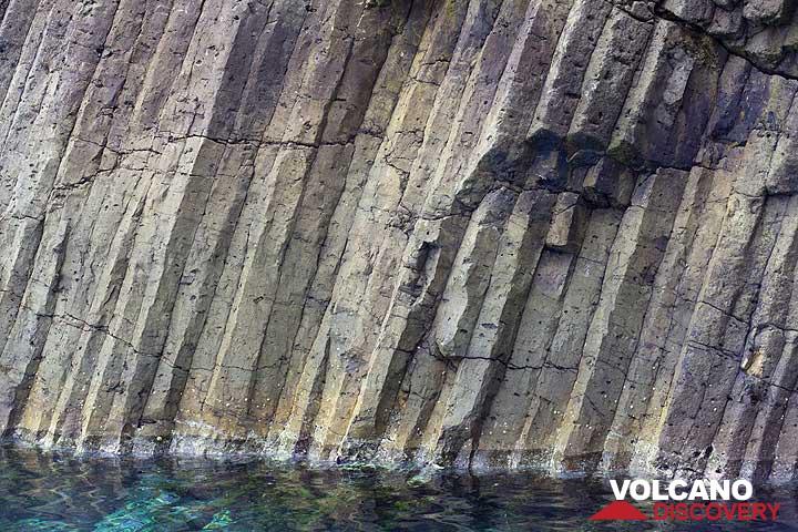 Basaltic columns at Glaronisia (c) Tom Pfeiffer