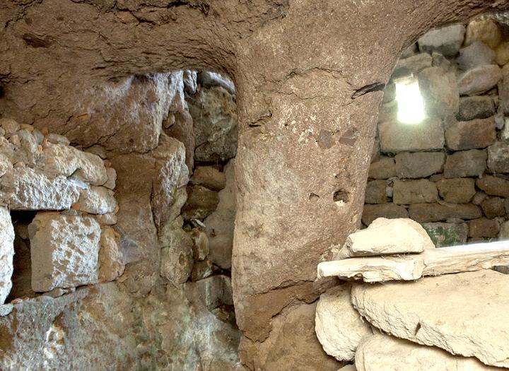The hidden chapel of Nymphios