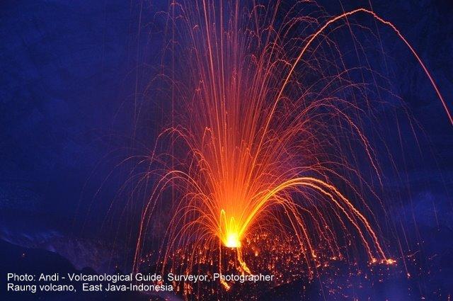 Raung volcano in Feb 2015 (photo: Andi / VolcanoDiscovery Indonesia)