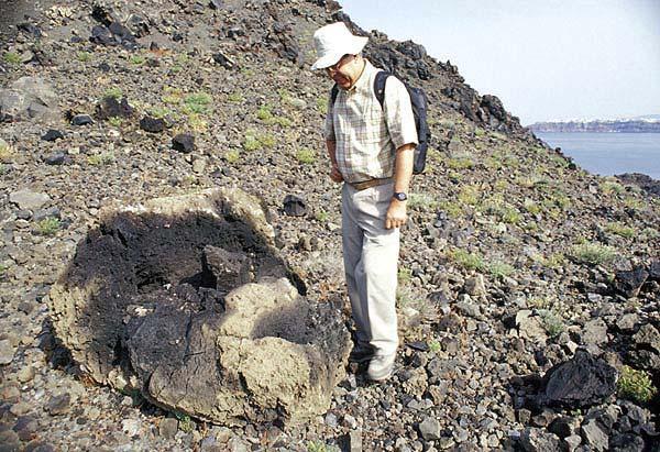Vulkanische Bombe auf Nea Kameni