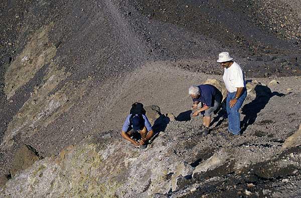 Am Kraterrand von Nea Kameni