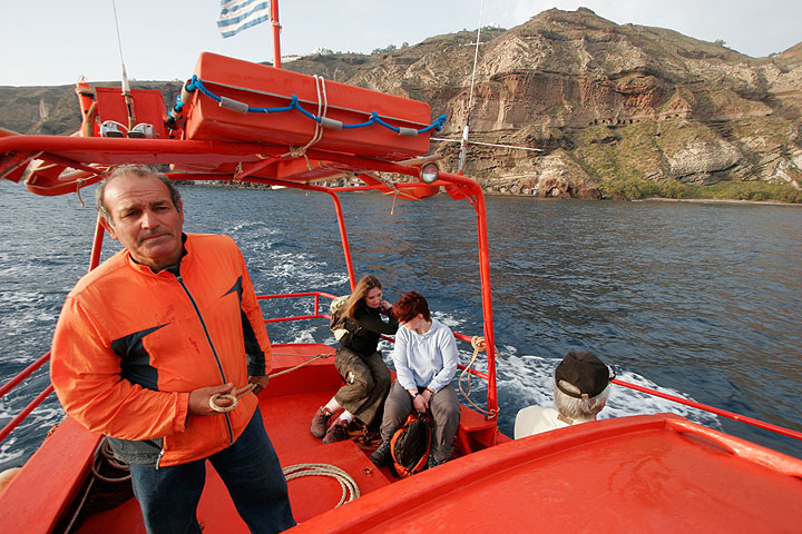 Mit dem gecharterten Boot und Kapitän Sostis unterwegs.