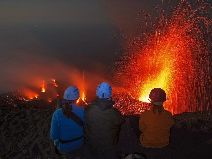 Observing volcanic activity from Stromboli´s summit