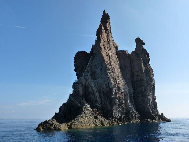 Strombolicchio, the volcanic neck from Stromboli´s predecessor