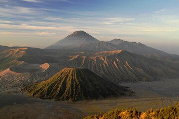 Tengger caldera at sunrise (2)