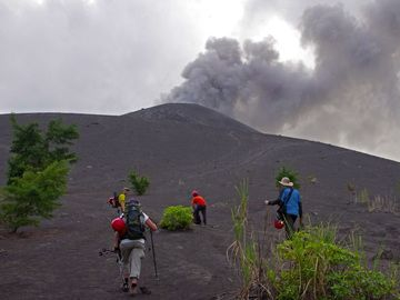Auf dem Anak Krakatau