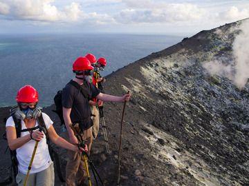 Am Rand des Krakatau-Kraters