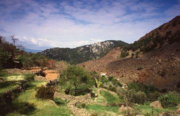 Kameni Chroa und der Vulkan vor dem Strassenbau ca. 1997