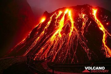The active lava dome of Kelut volcano (East Java, Indonesia) in Nov 2007