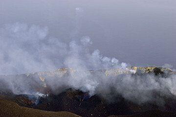 28. Juni 2006 produziert eine der Öffnungen des Stromboli Rauch-Ringe