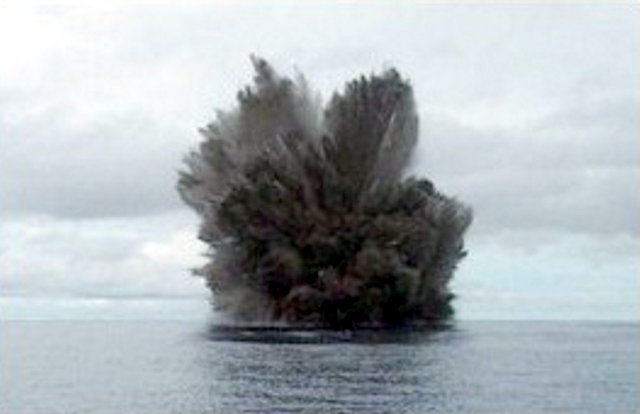 Kavachi in eruption on 15 March 2004 (photo: Corey Howell)