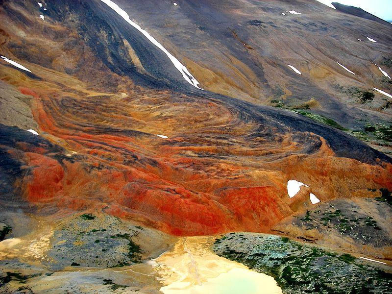 Strange flows near the Raspberry Pass area of the Spectrum Range. (photo: Wikimedia Commons)