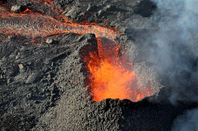 Piton de la Fournaise erupting in 2010 (Photo: Sylvie and Philippe CHOUKROUN)
