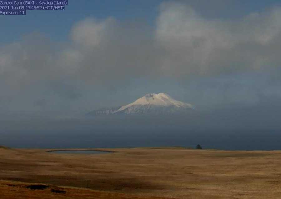 Gareloi volcano from the webcam on 8 June 2021