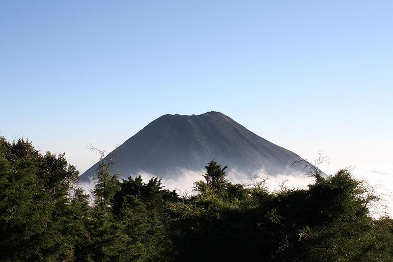 Izalco volcano, El Salvador (image courtesy: Angela Rucker, USAID)