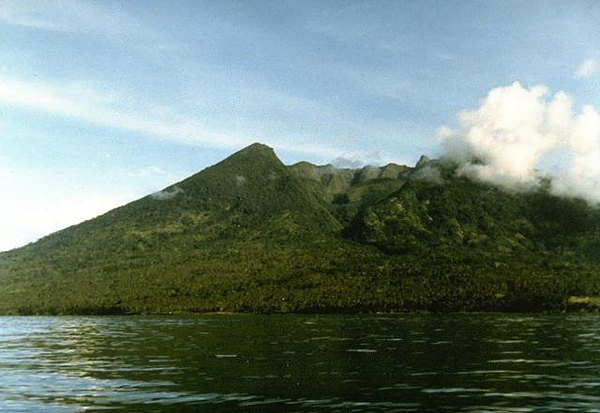 Kiebesi volcano (Makian Island) seen from the NW with the prominent Ngopagita gully (image: Ruska Hadian, 1985, Volcanological Survey of Indonesia)